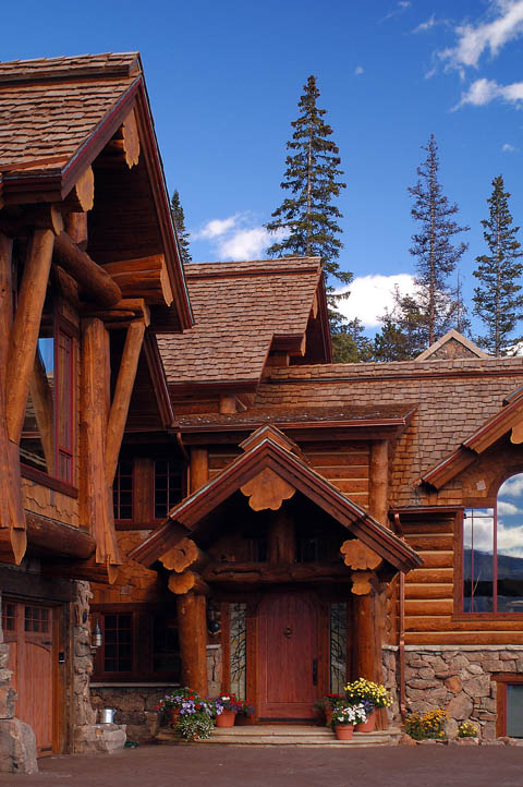 Exterior photos of log homes and timber homes for Log home pictures exterior