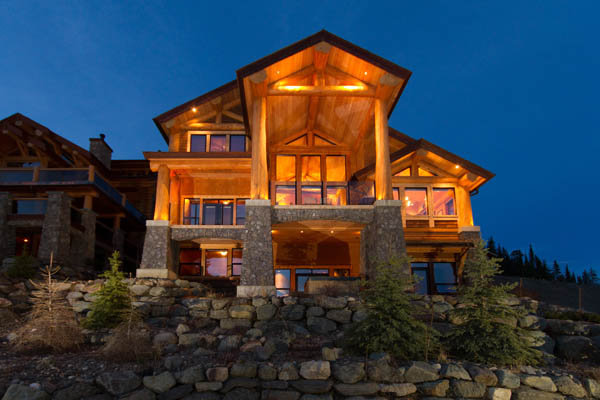 Resort log home